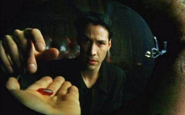 matrix-neo-red-pill-xlarge_trans++qVzuuqpFlyLIwiB6NTmJwfSVWeZ_vEN7c6bHu2jJnT8